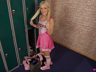 Pigtailed cheerleader called Amber Deen is ready to wank and to suck fake cock