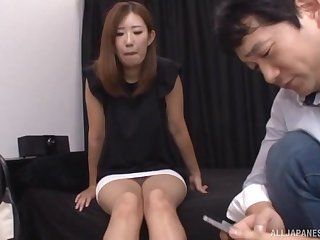 Japanese babe gets a hardcore fingering and sucks dick