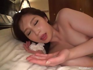 Mature Japanese wife Sasaki Aki takes cum in mouth at a hotel room
