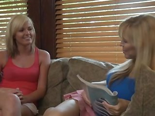 Fabuleux Cunnilingus, vidéo porno lesbienne