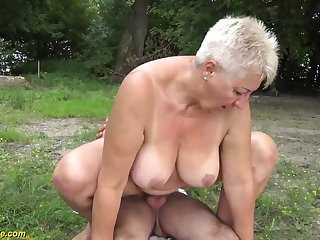 69 years old BBWs grannie outdoor pounded