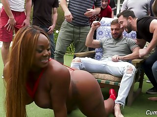 Big bottomed black MILF Jayden Starr is ready for oral gang bang outdoors