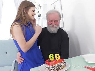 69 yo man gets a pleasant surprise from his sex starved girlfriend