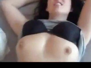 Sie bekommt cum auf ihrem Gesicht und will danach gefickt.