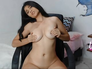 Slim, busty babe performs a fantastic solo webcam scene