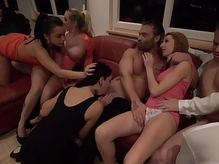 Jarushka Ross and her bisexual friends having fun with each other