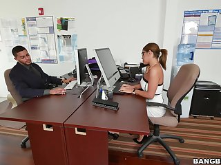 Quickie fucking in the office with horny Latina Mia Martinez